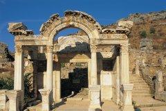 Temple d'Hadrien au site archéologique d'Éphèse. (© Alamer - Iconotec)