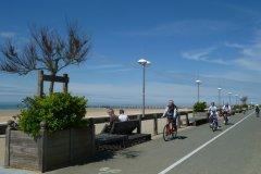 Piste cyclable de l'esplanade (© Linda CASTAGNIE)