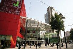 Le parvis du centre commercial Porte Jeune (© Ville de Mulhouse)