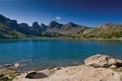 Le lac d'Allos (© FLORIAN VILLESÈCHE - FOTOLIA)