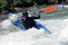 Kayak en eaux vives (© fotolia)