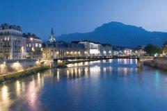 Vue de Grenoble (© PIERRE JAYET - FOTOLIA)