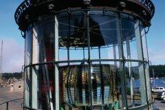 La lanterne du phare des Triagoz a été démontée et déposée dans la cour de la subdivision des Phares et Balises de Lézardrieux. (© Philippe GUERSAN - Author's Image)