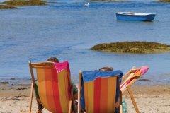 Transats sur une des plages de l'île de Noirmoutier (© Carré Pixel - Fotolia)