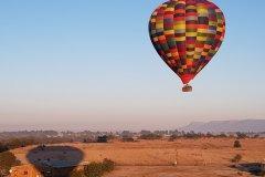 Balade en montgolfière au lever du soleil. (© Chloé OBARA)