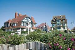 Les magnifiques villas anglo-normandes de la place Louis-Marie Cordonnier (© Olivier LECLERCQ)