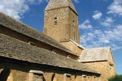 L'église romane de Briançion (© Claude NISSENS - Fotolia)
