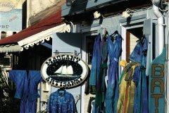 Boutique d'artisanat au bourg de Terre-de-Haut. (© Author's Image)