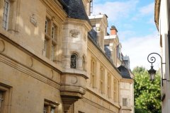Dijon. (© Yuriy Chertok / Shutterstock.com)