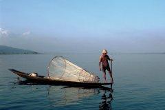 Pêcheur Intha sur le lac Inle. (© Author's Image)