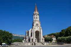 ANNECY, FRANCE - JUNE 17, 2017 : Panoramic view of Basilique de la Visitation. Annecy at Haute-Savoie department. France (© ©vadiml - stock.adobe.com)