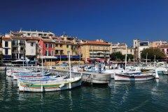 Un port tout en charme et couleurs (© Carine KREB)