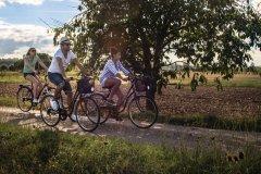 Balade à vélo dans la campagne du Lot-et-Garonne. (© Christian Prêleur - CDT 47)