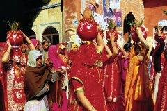 Femmes en costume rajasthani à Jaïpur. (© Alamer - Iconotec)