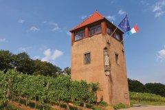 Tour Saint-Marc le long de la route des vins depuis le vignoble de Markusberg. (© Philippe GUERSAN - Author's Image)
