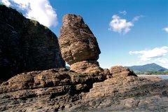 Le Bonhomme, rocher surplombant la plage de Bourail. (© Author's Image)