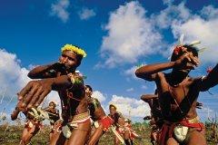 Danses dédiées à la récolte des ignames. (© Philippe Gigliotti)