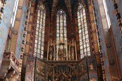 L'intérieur de la basilique regorge de merveilles et en particulier son retable. (© Jean-Baptiste THIBAUT)