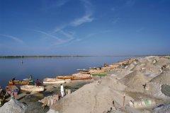Récolte du sel au lac Rose. (© Author's Image)