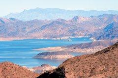 Le lac Mead fait 177 km de long et alimente Las Vegas en eau. (© Stéphan SZEREMETA)