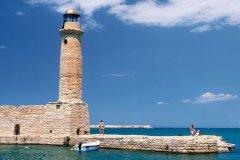 Phare à l'entré du port de Rethymnon. (© Author's Image)