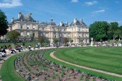 Façade du Sénat et jardin du Luxembourg - Paris (© RACAHOUT - FOTOLIA)
