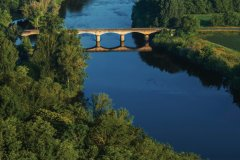 Pont sur la Dordogne. (© OSTILL - iStockphoto)