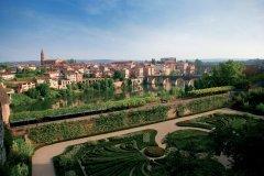 Vue d'Albi, depuis le jardin du palais de la Berbie (© PHOVOIR)