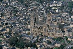 Vue aérienne de la cathédrale de Bayeux (© Arthur LEROY - Iconotec)
