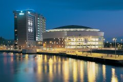 Waterfront Hall (© Belfast Visitor & Convention Bureau)