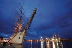 Gréement dans le port de Rouen (© TILIO & PAOLO - FOTOLIA)
