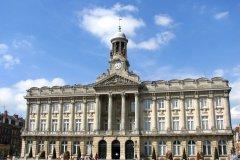 Hôtel de ville de Cambrai. (© Brad Pict / Adobe Stock)