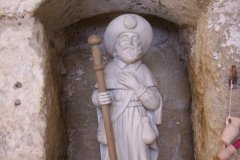 Statue de Saint-Jacques sur le chemin de Compostelle. (© Josiane Maxel)