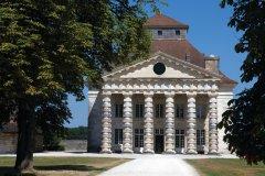 La Saline Royale, bâtiment du XVIIIème siècle. (© Nicolas Thibaut)