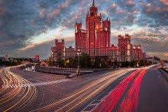 L'immeuble d'habitation de la berge Kotelnitcheskaya est l'une des Sept Soeurs, série de 7 gratte-ciel commandés par Staline au début des années 1950 (© Anshar / Shutterstock.com)