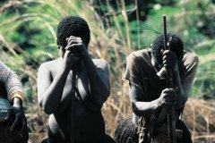 Femmes en deuil (© Ettore Venturini - Iconotec)