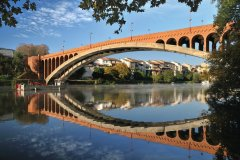 Le pont de la Libération de Villeneuve-sur-lot. (© Therry - iStockphoto)