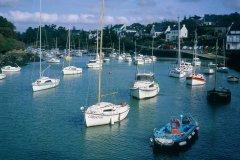 Bateaux au port de Doélan (© TONY CARDWELL - ICONOTEC)