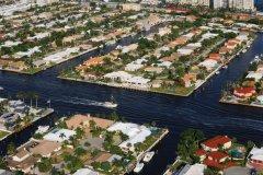 Fort Lauderdale. (© iStockphoto.com/THEPALMER)