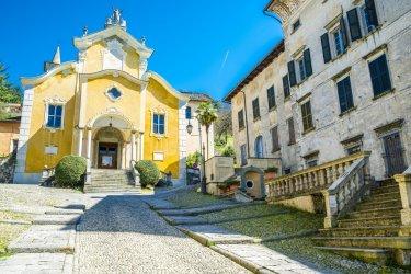 Eglise Santa Maria Assunta, Orta San Giulio. (© Anilah - Shutterstock.com)