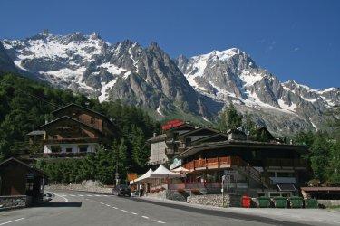 Au pied du Mont Blanc (© Guillaume Besnard - Fotolia)