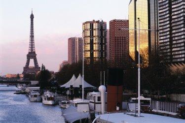 Quai de Seine - Paris (© ITZAK NEWMANN - ICONOTEC)