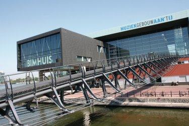Bimhuis et Muziekgebouw aan 't IJ offrent de nombreuses salles de concert. (© Stéphan SZEREMETA)
