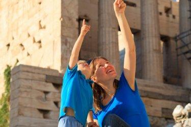 Visite de l'Acropole. (© Nadezhda1906 / Shutterstock.com)