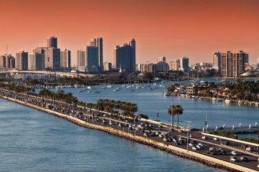 Skyline de Miami. (© iShootPhotos LLC - iStockphoto)