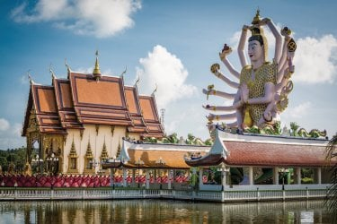 Wat Plai Laem, Koh Samui. (© surasaki)