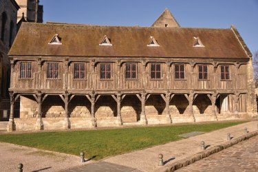 La bibliothèque du Chapitre de Noyon (© Pascalcointe - Fotolia)