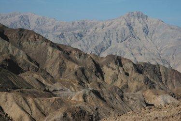 PÉROU : Montagnes arides de la région de Nazca.