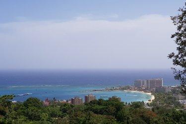 Vue sur la baie d'Ocho Rios. (© Chloé OBARA)