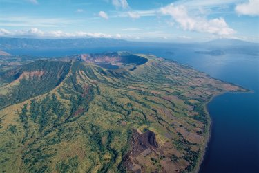 Philippines : Volcan Taal.